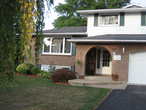 A PILLOW AND TOAST B&B a Bed and Breakfast in Niagara on the Lake.  Your home away from home