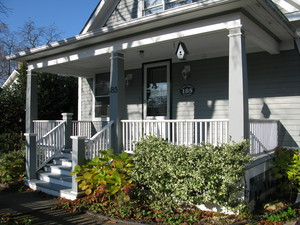GATE STREET COTTAGE a Cottage, GuestHouse in Niagara on the Lake.  A perfect downtown getaway
