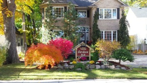 VILLA GARDENIA BED & BREAKFAST a Bed and Breakfast in Niagara Falls.  Simply the  Finest  Bed and Breakfast in Niagara and Winner of the Trip Advisor Award of Excellence
